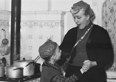 Kitchen Dance. (1955)
