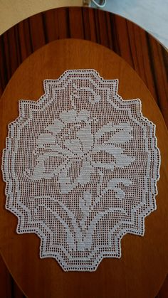 Crochet Placemats, Crochet Table Runner, Crochet Doilies, Crochet Flowers, Thread Crochet, Filet Crochet, Crochet Designs, Crochet Patterns, Crochet Bikini Pattern