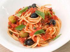 Recetas, recetas faciles, macarrones, espagueti, carbonara, ravioli, pasta carbonara, fetuccini, macarrones con queso, ravioles, fideo, tallarines, espaguetis a la carbonara, espaguetis carbonara, pasta al pesto, raviolis, espagueti a la boloñesa todo lo que debes conocer. Pasta Al Pesto, Pasta Carbonara, Ethnic Recipes, Food, Stylus, Drinks, Spaghetti Recipes, Pastries, Ravioli
