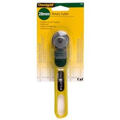 Omnigrid® Rotary Cutter Size: 28 mm *Blade is protected by a safety guard. The safety guard slides back when pressure is applied - exposing the blade to cut through the materials. Once