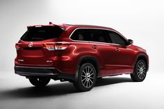 Toyota Slaps A New Face On 2017 Highlander, Gives It More Grunt Too