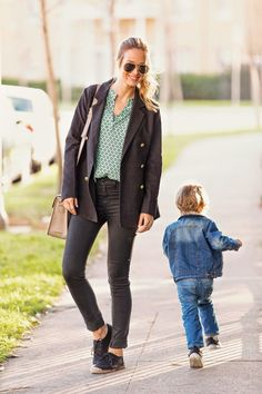 Mom, Sheridan from @blueeyedfinch wears our Split Neck Blouse in Mint Dot. #pleioneclothing #pleione #nordstrom
