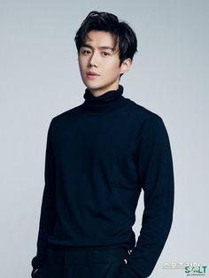 Kim Seon-ho to Star in 'Startup' as Han Ji-pyeong Korean Men, Asian Men, Korean Celebrities, Korean Actors, Oppa Ya, Romantic Doctor, Hong Jong Hyun, Kim Sun, Photography Poses For Men