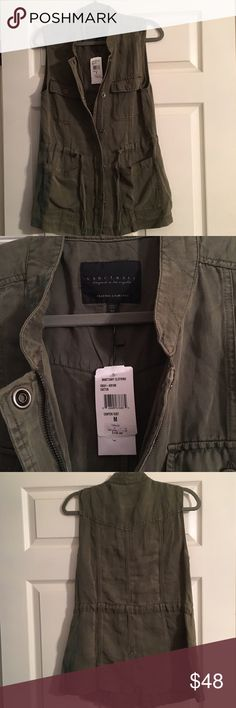 Sanctuary military vest in army green The perfect military vest! I bought two sizes and can't return. This is a women's medium with tags on. Priced to sell! Sanctuary Jackets & Coats Vests