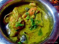 Prawns curry with brinjal in green masala recipe, Green masala prawn curry with brinjal recipe,how to make east indian style green prawn curry with brinjal Prawn Masala, Masala Curry, Curry Shrimp, Fish Curry, Spicy Shrimp, Brinjal Recipes Indian, Indian Prawn Recipes, Goan Recipes, Yummy Recipes