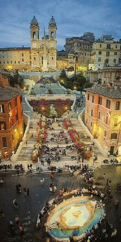Piazza di Spagna, Roma, Italy. Trinita di Monti, Sacre Cuore at the top! www.guidora.com - love this shot