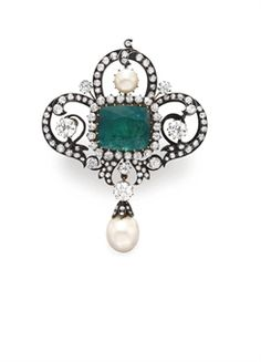 ANTIQUE EMERALD, DIAMOND AND PEARL BROOCH