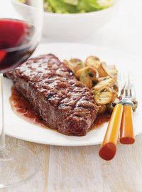 Rib Eye Steaks with Red Wine Sauce Recipes Sauce Recipes, Wine Recipes, Beef Recipes, Steaks, Rib Eye Recipes, Austrian Recipes, Austrian Food, Ricardo Recipe, Beef Ribs