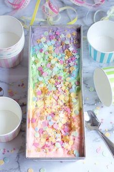 Unicorn Ice Cream, Raw Cake, Birthday Board, Birthday Cake, Unicorn Party, Unicorn Dress, Piece Of Cakes, Something Sweet, Birthday Parties