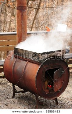 Making maple syrup - steam rising off a vat of sap being boiled on an outdoor stove Outdoor Cooking Stove, Outdoor Stove, Maple Syrup Tree, Maple Tree, Maple Syrup Evaporator, Homemade Maple Syrup, Sugar Bush, Honey Syrup, Sugaring
