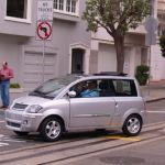 Carro eléctrico Zenn New: dispone de un pequeño motor eléctrico que permite una autonomía de 44millas (70kms) con una sola carga.