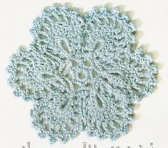 """Doily"" - free pattern; thanks!  http://abrazodetrapo.blogspot.com/2011/11/see-full-gallery-on-posterous_7548.html"
