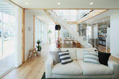 Spacious Wood House – Fubiz Media