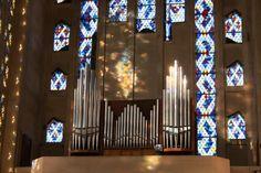 L'orgue de l'église Sainte-Thérèse d'Aubergenville. Île-de-France