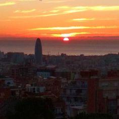 Not a sunset but a sunrise #sunrise #barcelona #skyline #sun #autumn #sol #mediterraneo
