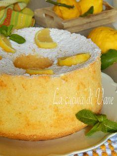 Cherry and pistachio mini-cakes - HQ Recipes Torta Chiffon, Lemon Chiffon Cake, Angel Cake, Angel Food Cake, Sweet Recipes, Cake Recipes, Dessert Recipes, American Cake, Raspberry Smoothie