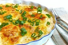 Mashed potatoes with Parmesan cheese. Potato Dishes, Potato Recipes, Good Food, Yummy Food, Cooking Together, Russian Recipes, Vegetable Dishes, Food Photo, Places