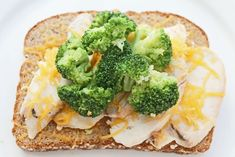 Looking for healthy lunch recipes? Check out the Clean Eating Weight Loss Meal Plan's easy and healthy open face sandwich with broccoli and melted cheddar over chicken slices! Clean Eating Diet Plan, Clean Diet, Clean Eating Recipes, Easy Healthy Recipes, Diet Recipes, Healthy Eating, Healthy Meals, Lunch Recipes, Healthy Food