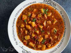 Gulášová polévka z mletého hovězího masa Chana Masala, Chili, Soup, Ethnic Recipes, Red Peppers, Chile, Soups, Chilis