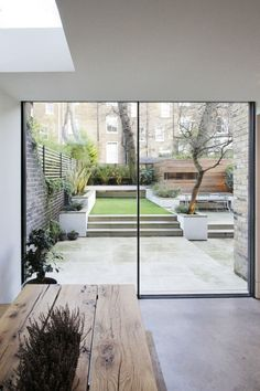 http://lifestyleetc.co.uk/2014/04/18/livingetc-house-tours-plus/