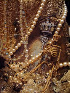 STARSHINE CHIC : Yo ho, yo ho, a pirates life for me. Pirate treasure chest.