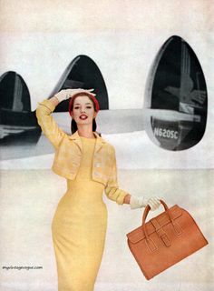 Harpers Bazaar February Photo by Francesco Scavullo - model Dolores Hawkins Vogue Vintage, Vintage Glamour, Vintage Beauty, Fascinator, Francesco Scavullo, Vintage Dresses, Vintage Outfits, 50 Fashion, Fashion Design