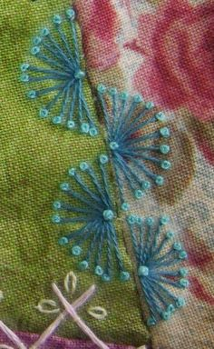 Patchwork embroidery needlework New ideas Hand Embroidery Stitches, Silk Ribbon Embroidery, Hand Embroidery Designs, Embroidery Techniques, Embroidery Applique, Cross Stitch Embroidery, Embroidery Patterns, Quilt Patterns, Quilting Templates
