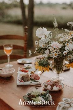 Dreamy, vintage lifestyle stock photos for creative in the Countryside from Haute Stock featuring dinner table with flowers, snacks, charcuterie. #hautestock #lifestyle #stockphotography #blogging #socialmedia #femaleentrepreneur #marketing #businessowner #branding Thanksgiving Post, Girls Getaway, Slow Living, Charcuterie, Dinner Table, Free Stock Photos, Countryside, Blogging, Celebration