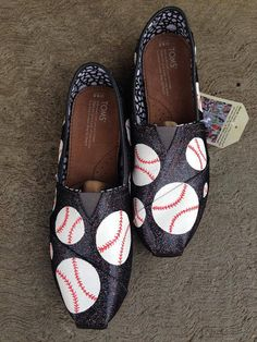Tom's baseball shoes- hand painted  Perfect gift for baseball lovers, sports moms, coaches and more.