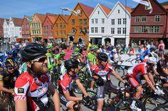 #TOURS #SWD #GREEN2STAY Fjord Tours  Kun to uker igjen til Tour Des Fjords sykkelrittet starter i Bergen.  Bli med på folkefesten og skap stemning langs løypen  Vi gleder oss!  Tour des Fjords TV 2 Sporten