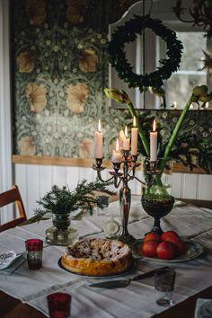 Julafton i Plåthuset - Lovely Life Swedish Christmas, Scandinavian Christmas, Country Christmas, Christmas And New Year, Winter Christmas, Christmas Home, Merry Christmas, Christmas Interiors, Diy Weihnachten