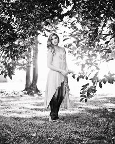 Senior photogapher, huntsville, AL, Alabama, Senior Pictures, Boho, Bookout Studios, Senior Photos, beautiful, model, Senior portraits,  grass, trees, outdoors, leaves