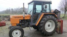 Te koop: renault 551s, tractor verkkert in redelijk goede staat, rondom op vrijwel nieuwe banden. Compleet met trekbak, topstang, gatenbalk. 7400 Echte draaiuren. Eerste eigenaar.