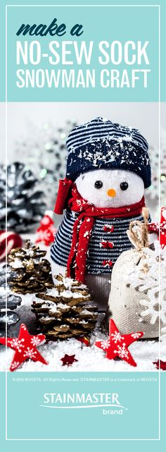 If the whole family is gathering to celebrate, why not make sock snowmen? There's no sewing involved, and it's a great way to use those poor single socks lying in your drawer. Here's how.