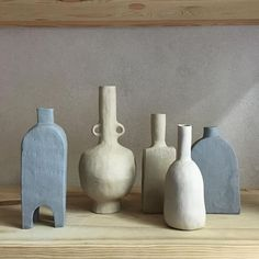 Ceramics : jessica coates I love me a ceramic c bottle vase with ears. Slab Pottery, Pottery Vase, Ceramic Pottery, Thrown Pottery, Porcelain Jewelry, Porcelain Vase, Fine Porcelain, Painted Porcelain, Hand Painted