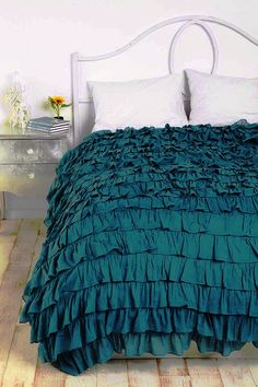 [intensified] Waterfall Ruffle Duvet Cover, not current