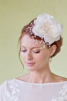 rose bridal headpiece by @Hermione Harbutt   photo by @Catherine Mead