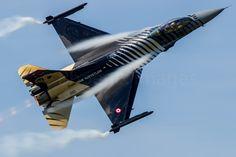 General Dynamics F-16 Fighting Falcon | 91-0011 | Solo Turk | RAF Fairford by Alec Walker on 500px