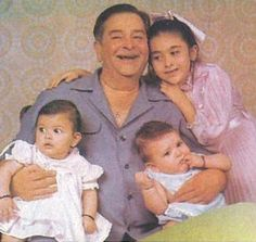Raj Kapoor with Karisma, Kareena and Ranbir Kapoor.