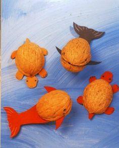 Őszi barkács - Klára Balassáné - Álbuns da web do Picasa Diy Arts And Crafts, Crafts To Do, Diy Crafts For Kids, Craft Work For Kids, Animal Crafts For Kids, Summer Crafts, Fall Crafts, Christmas Crafts, Walnut Shell Crafts