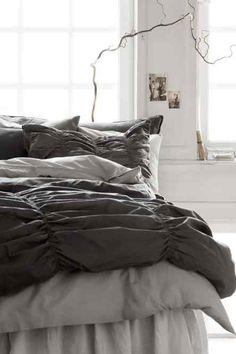 pour faire une housse de couette avec d 39 ancien drap de lin linge edredon pinterest. Black Bedroom Furniture Sets. Home Design Ideas