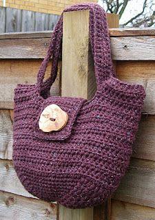 "Free Crochet Pattern: ""Pipistrelle"" Handbag (UK terms)"