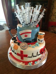 Nursing school graduation cake from Adrienne's in Jeffersonville, IN. I want this done for when I graduate nursing school! School Parties, Grad Parties, Doctor Cake, Doctor Party, Nurse Party, Nursing Assistant, Med School, Nursing Students, Nursing Schools