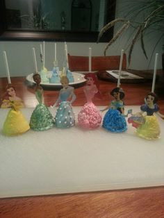 Made these princess cake pops, these would be great for little girl's birthday party