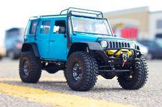Axial SCX10 1/10 RC Crawler • Jeep Wrangler Body