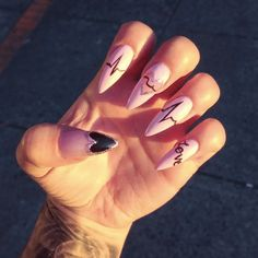 31 Looks: Nails for Valentine's Day > CherryCherryBeauty.com Source: jessedoesnails / Instagram
