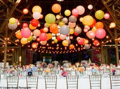 When it comes to wedding decor, I'm just in love with the hanging paper lantern trend! Adding floating paper lanterns to your ceremony or reception decor is a great way to inexpensively add some fun and color to your big day. Wedding Events, Our Wedding, Dream Wedding, Wedding Ceremony, Trendy Wedding, Garden Wedding, Party Wedding, Summer Wedding, Decor Wedding