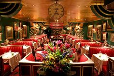 The Russian Tea Room is an exclusive restaurant and event venue, where actors, writers and politicians have wined and dined throughout the last eighty years. 150 West 57th Street  New York, NY 10019, United States  (212) 581-7100