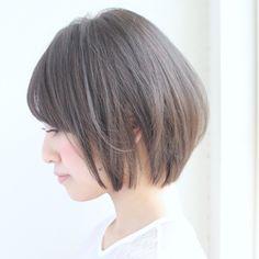 後ろの髪の毛と横の髪の毛の長さが同じぐらいのショート♡カットの仕方で横からみた印象を変える事ができますよ♡♡