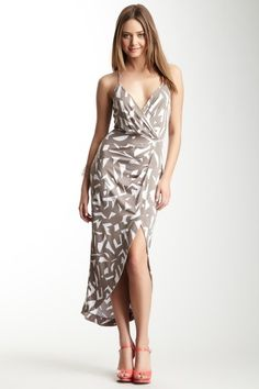such a pretty dress, i wish i had the legs for it